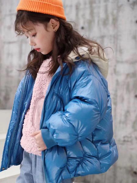 魔方童装品牌2020秋冬深蓝色保暖外套