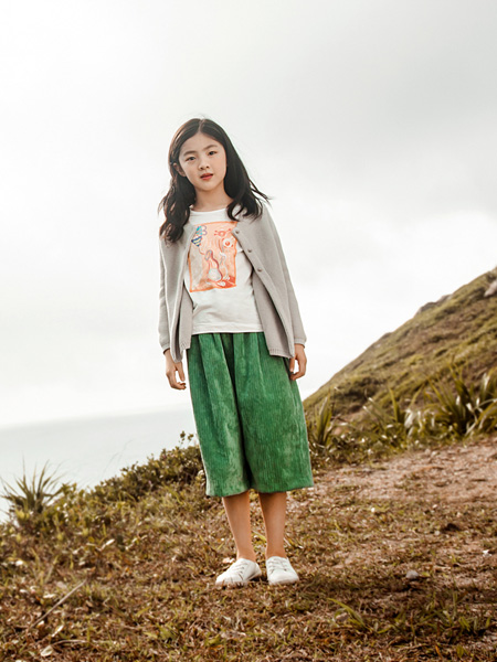 棉绘童装品牌2020秋冬灰色针织衫外套