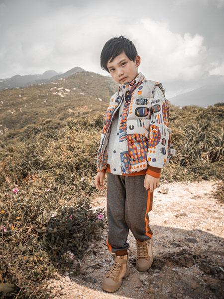 棉绘童装品牌2020秋冬时尚印花白底夹克外套