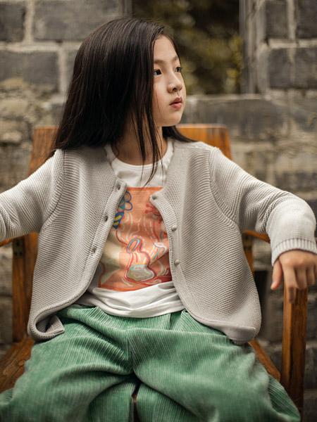 棉绘童装品牌2020秋冬青色长裤米色针织衫外套