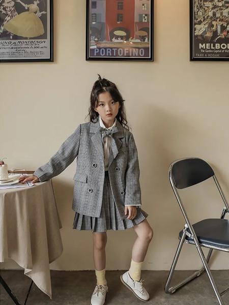 洛小米童装品牌2020秋冬灰色套装