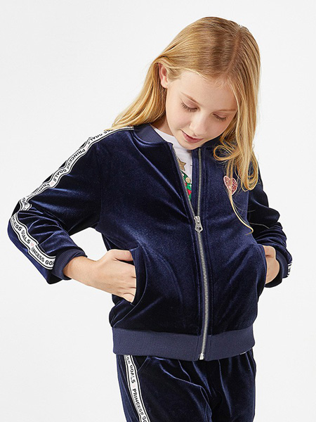 绮童堡童装品牌2020春藏蓝色外套