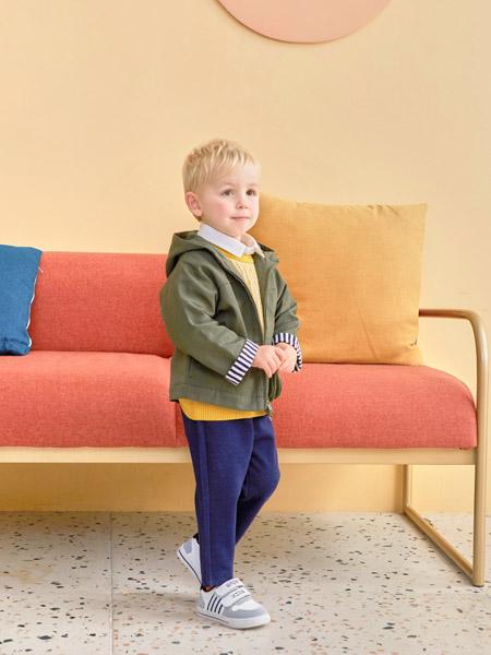 可拉·比特童装品牌2020秋冬青色连帽外套