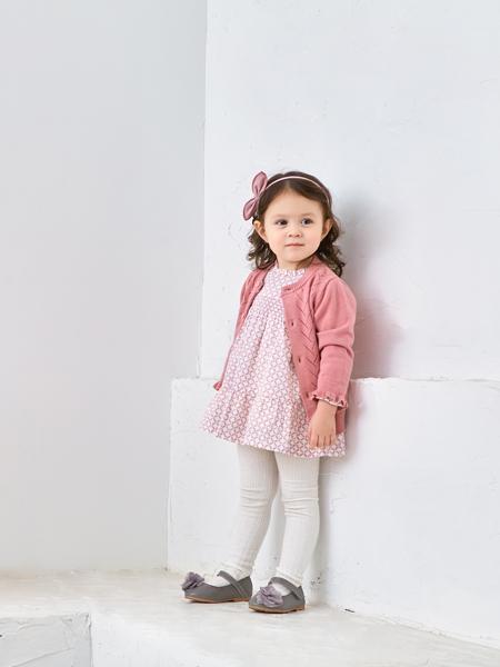 可拉·比特童装品牌2020秋冬粉色针织衫外套