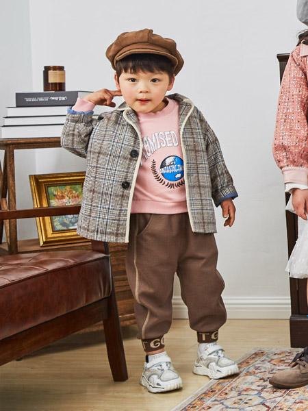 田果果童装品牌2020秋冬格纹灰色外套