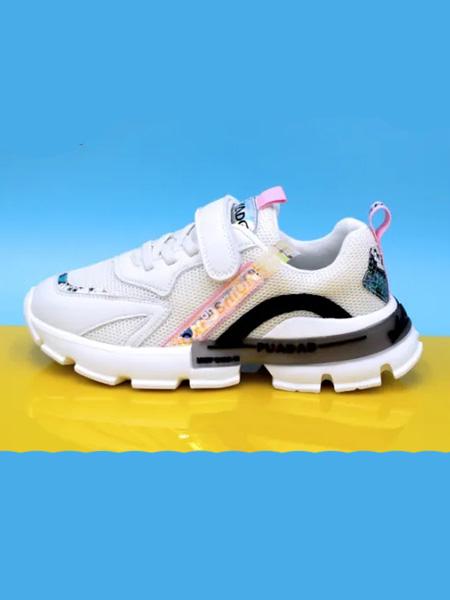 卡丁童鞋品牌   进场及卖场布置