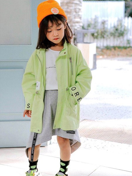 快乐精灵童装品牌2020秋冬浅绿色中长款外套