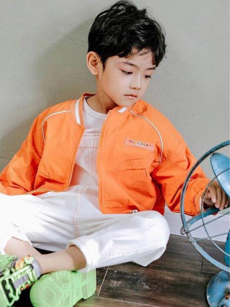 快乐精灵童装品牌2020秋冬橙色外套