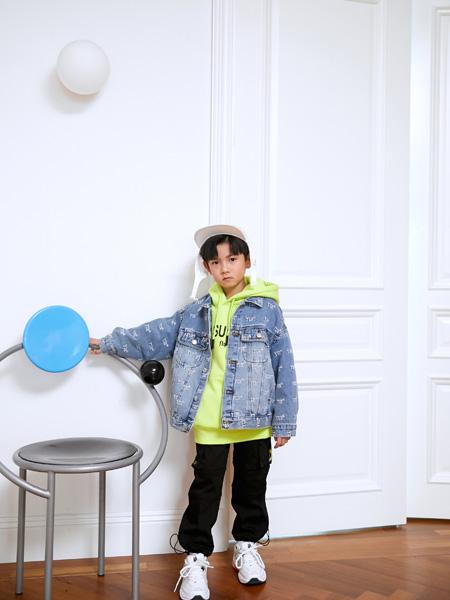 Outride越也龙8品牌2020秋冬休闲牛仔夹克衫