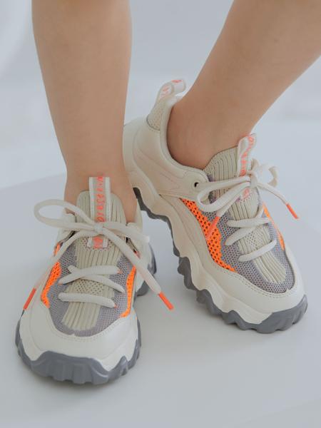森林大王童鞋品牌2020春夏灰低白色运动鞋系带
