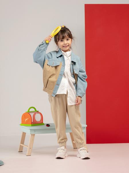 宝贝传奇童装品牌2020秋冬蓝色牛仔外套卡其色长裤