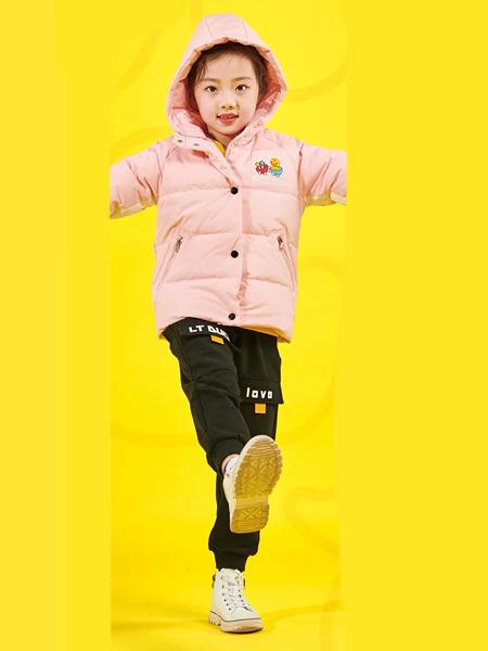 有特征的品牌有哪些?小黄鸭青少年鞋服一体招商啦