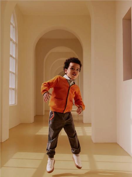 好孩子童装品牌2020秋冬橙色外套