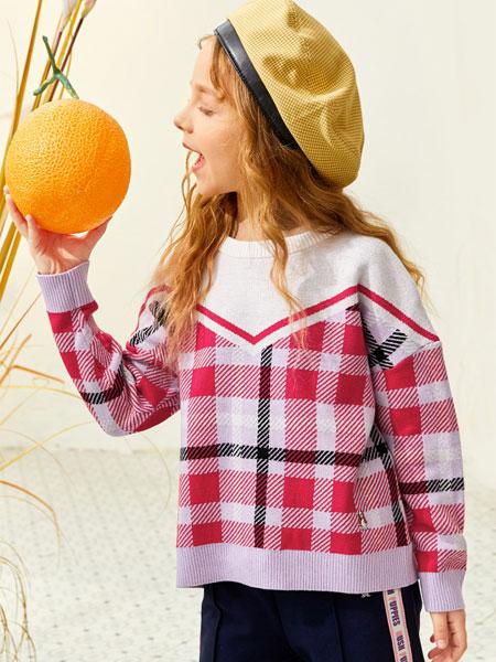 暇步士童装品牌2020秋冬学院风卫衣