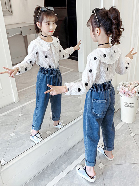 芊芊天使童装品牌2020秋冬大波点上衣白色