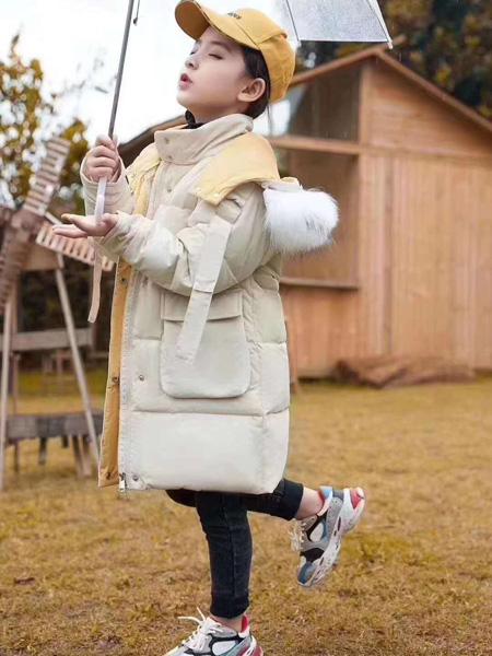 宾果童话龙8品牌2020秋冬米色保暖棉衣外套