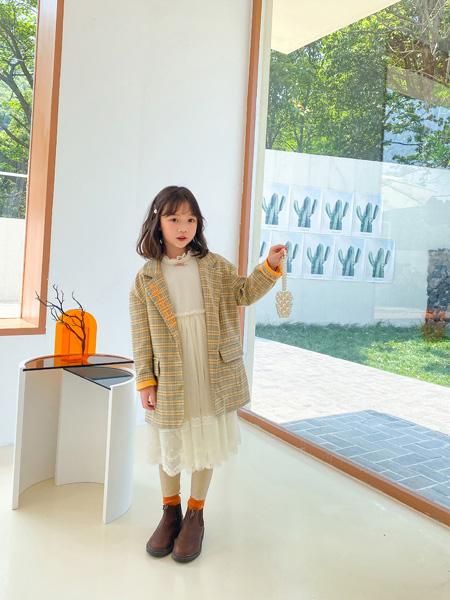 哈沐童装品牌2020秋冬格纹西装外套