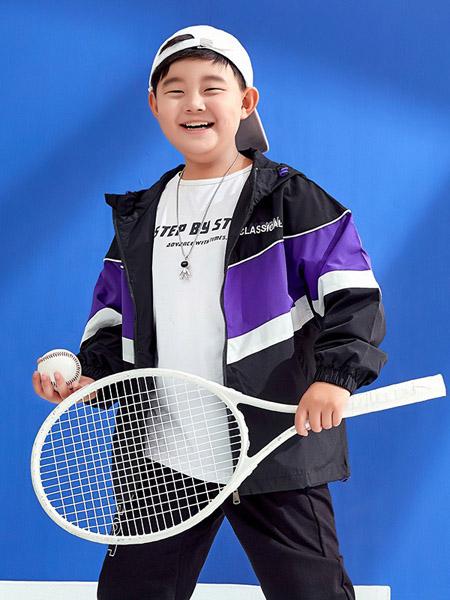 普哆衣童装品牌2020秋冬紫色黑色连帽运动外套