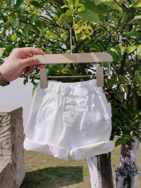 优米多童装品牌2020春夏白色短裤