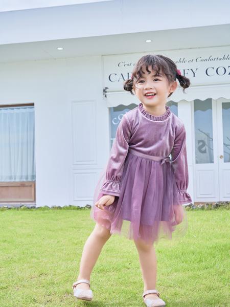 早言童装品牌2020秋冬新品紫色淑女连衣裙