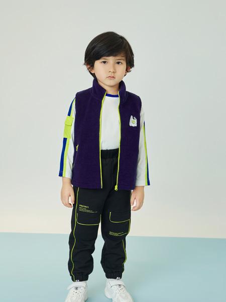 贝甜童装品牌2020秋冬黑色时尚马甲