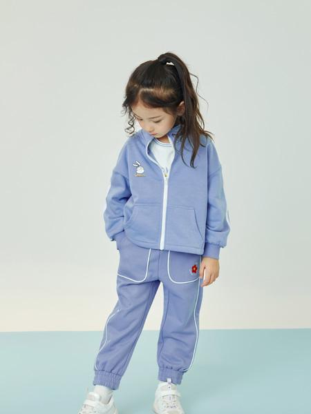 贝甜童装品牌2020秋冬淡蓝色卡通套装