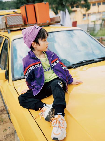 拉斐贝贝童装品牌2020秋冬紫色休闲外套