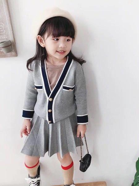 铭爵童装品牌2020秋灰色针织套裙