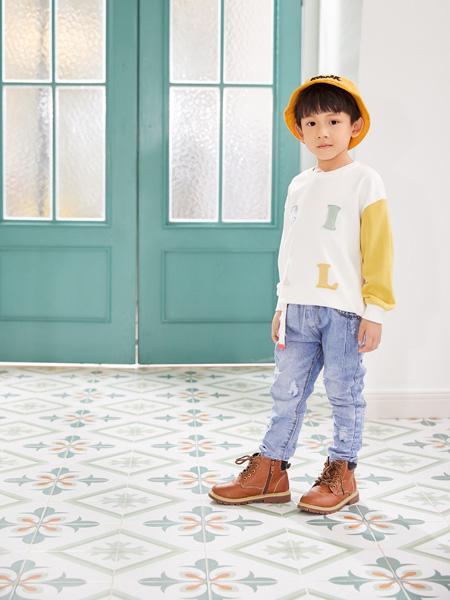 西瓜王子童装品牌2020秋冬圆领米色长袖上衣