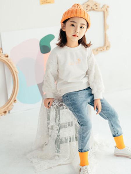 KISSABC童装品牌2020春白色卫衣