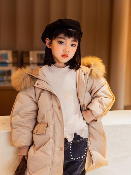 蒂�_�{D`sana童�b品牌2020秋冬米色休�e羽�q服