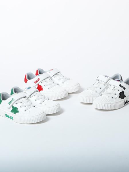 百丽国际童鞋品牌2020春夏白色绿黑红印花