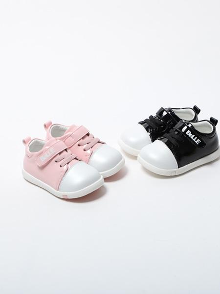 百丽国际童鞋品牌2020春夏粉黑两色板鞋