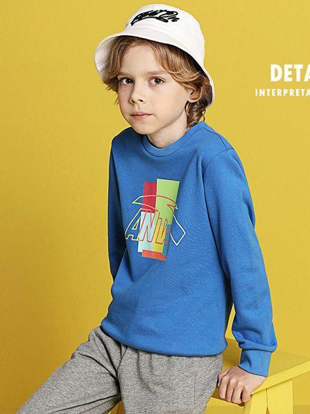 安踏儿童童装品牌2020秋冬学院蓝色T恤