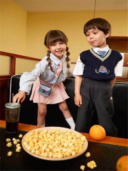 太平鸟童装Mini Peace童装品牌2020秋冬学院可爱半身裙