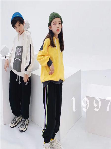 宠来宠趣童装品牌2020秋冬潮牌卫衣