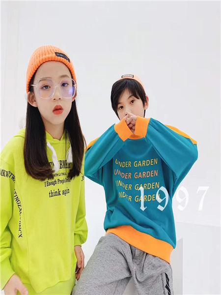 宠来宠趣童装品牌2020秋冬纯色字母衬衫