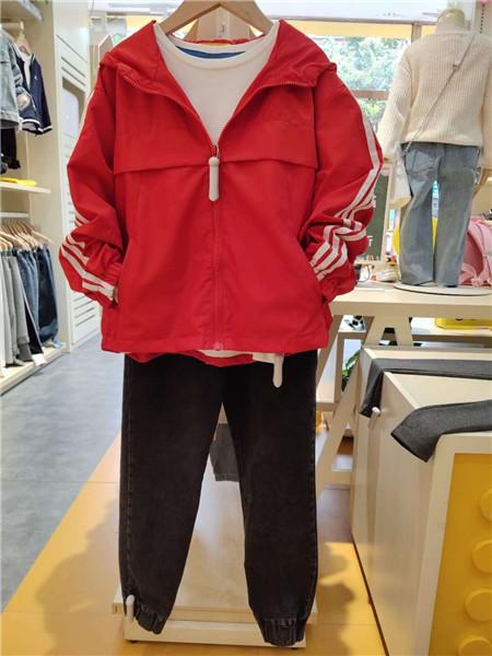 达巴童装品牌2020秋冬红色时尚外套
