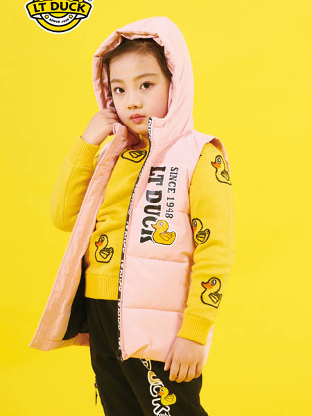 小黄鸭青少年童装品牌2020秋冬时尚粉色带帽羽绒马甲