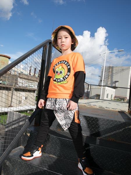 SugarDuck童装品牌2020秋冬橘色假两件潮流上衣