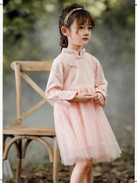 邻童优品童装品牌2020秋冬可爱粉色连衣裙