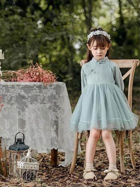 邻童优品童装品牌2020秋冬青色印花蓬松连衣裙