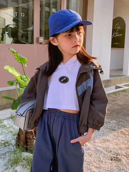 宾果童话童装品牌2020秋冬纯色条纹外套