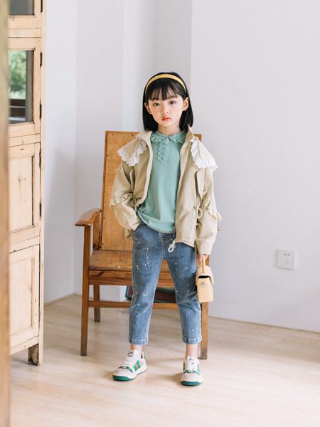 小嗨皮童装品牌2020秋冬保暖纯色外套