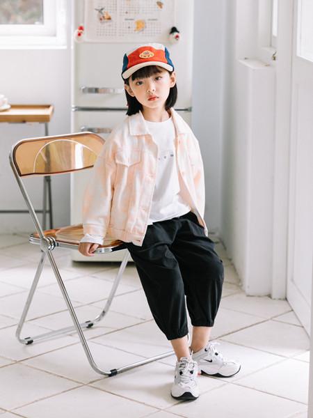 小嗨皮童装品牌2020秋冬可爱粉色长袖外套