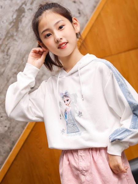 123童装童装品牌2020秋冬白色带帽卫衣