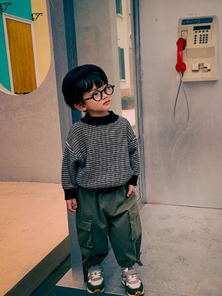 吾名堂童装品牌2020秋冬黑白条纹针织衫