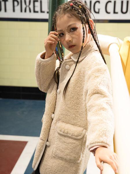 巴迪小虎BaDi Tiger童装品牌2020秋冬毛呢白色立领大衣