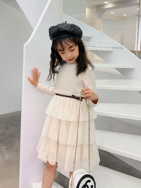 优仔优妹UZUM童装品牌2020秋冬米白色纱裙