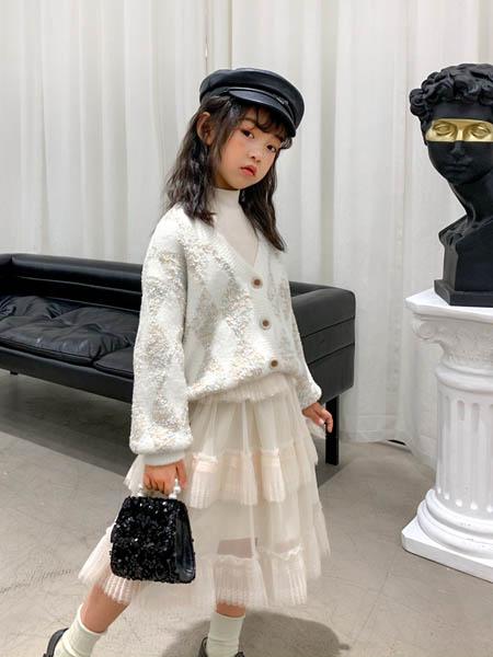 优仔优妹UZUM童装品牌2020秋冬白色套裙